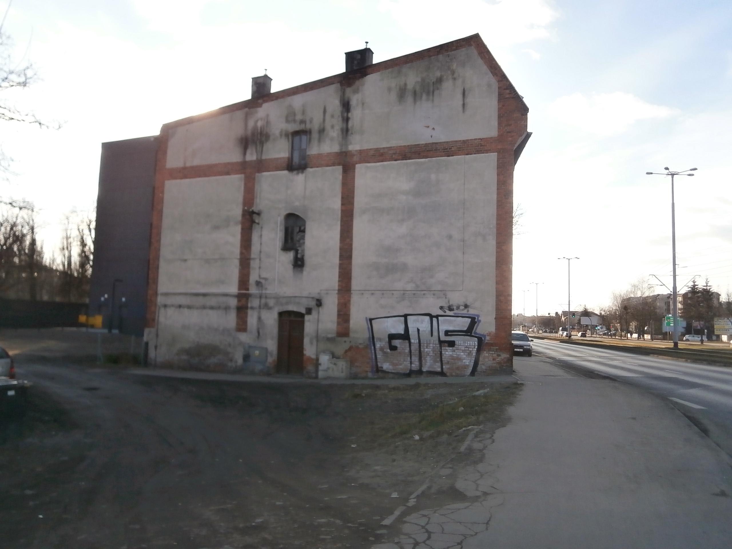 ul. Kościuszki 68/ściana budynku